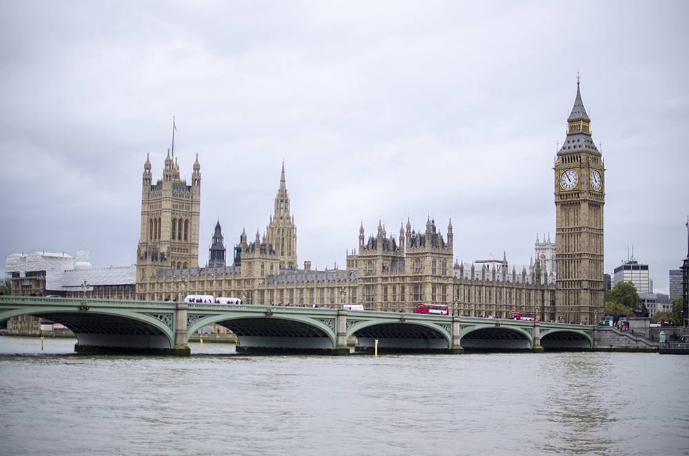 London - Big Ben & Houses of Parliament